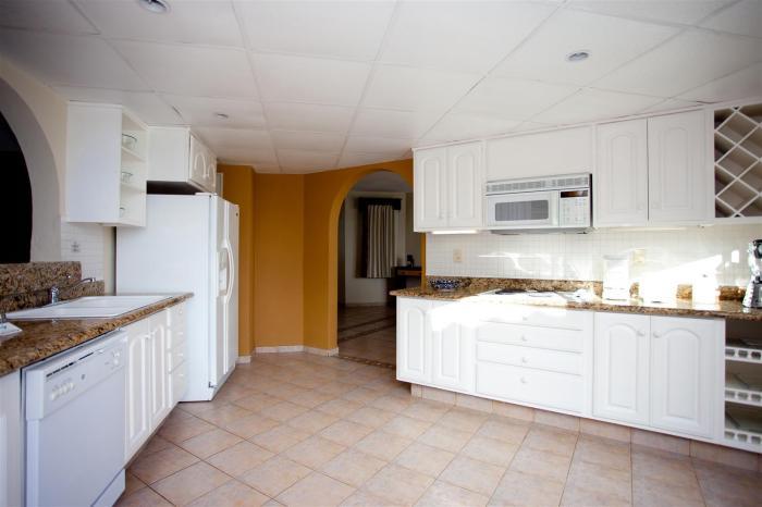 Villa Del Palmar Penthouse 3606 Kitchen