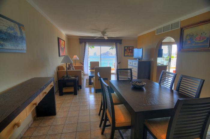 Villa Del Palmar Cabo Penthouse 1201 Dining Table
