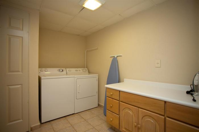 Villa Del Palmar Penthouse 3606 Laundry Room