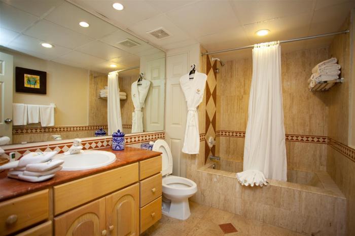 Villa Del Palmar Penthouse 3606 Bathroom