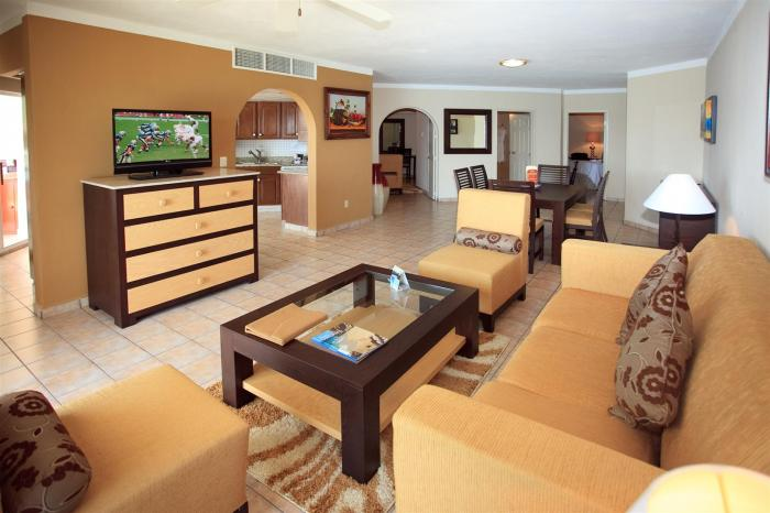 Los Cabos Vacation Rentals 3BR Living Room